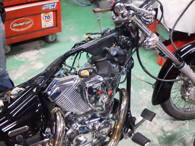 2f774128a800 Vツインの谷間にあるキャブ オンザリフト | 与作 - 埼玉県加須市のバイクショップ